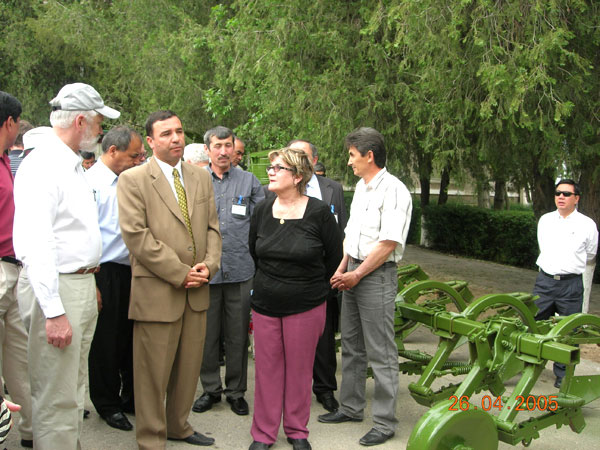 Dr. Thomas Lumpkin visited Uzbek Research Institute of Vegetable Melon Crops and Potato